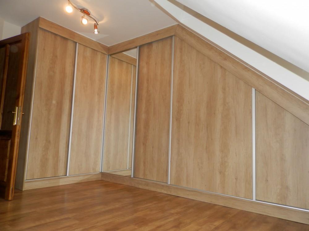 Vestavná rohová skříň do podkroví - Domažlice