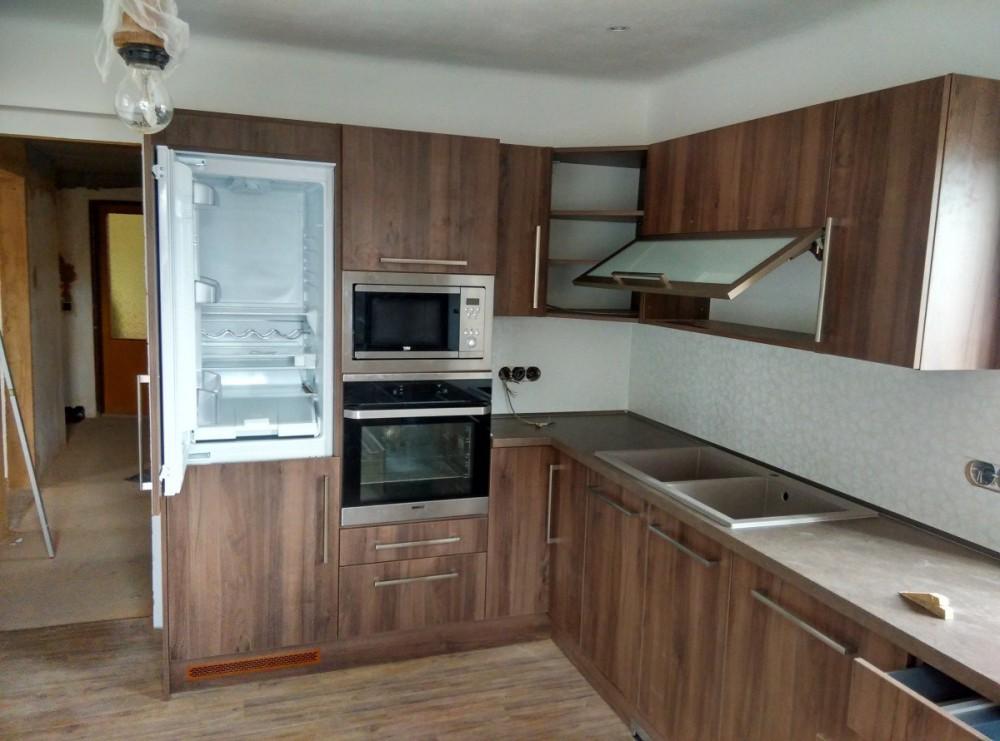 Kompletní zařízení kuchyně v Domažlicích